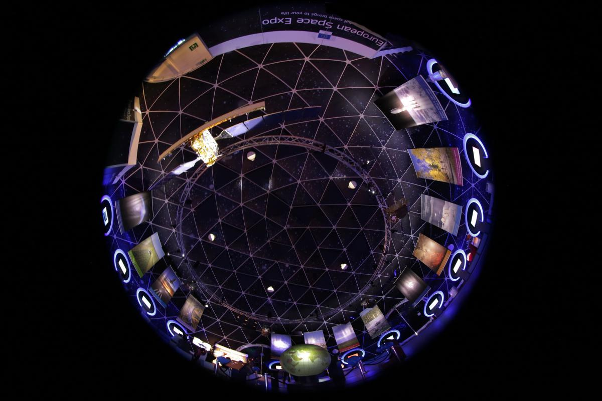 Inside the Bubble: A 360 degree view inside the European Space Expo.