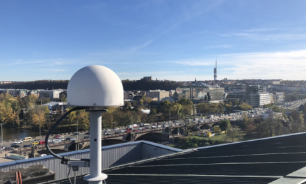 The call targets the development of multi-frequency, multi-purpose antennas aimed at both the mass and professional markets