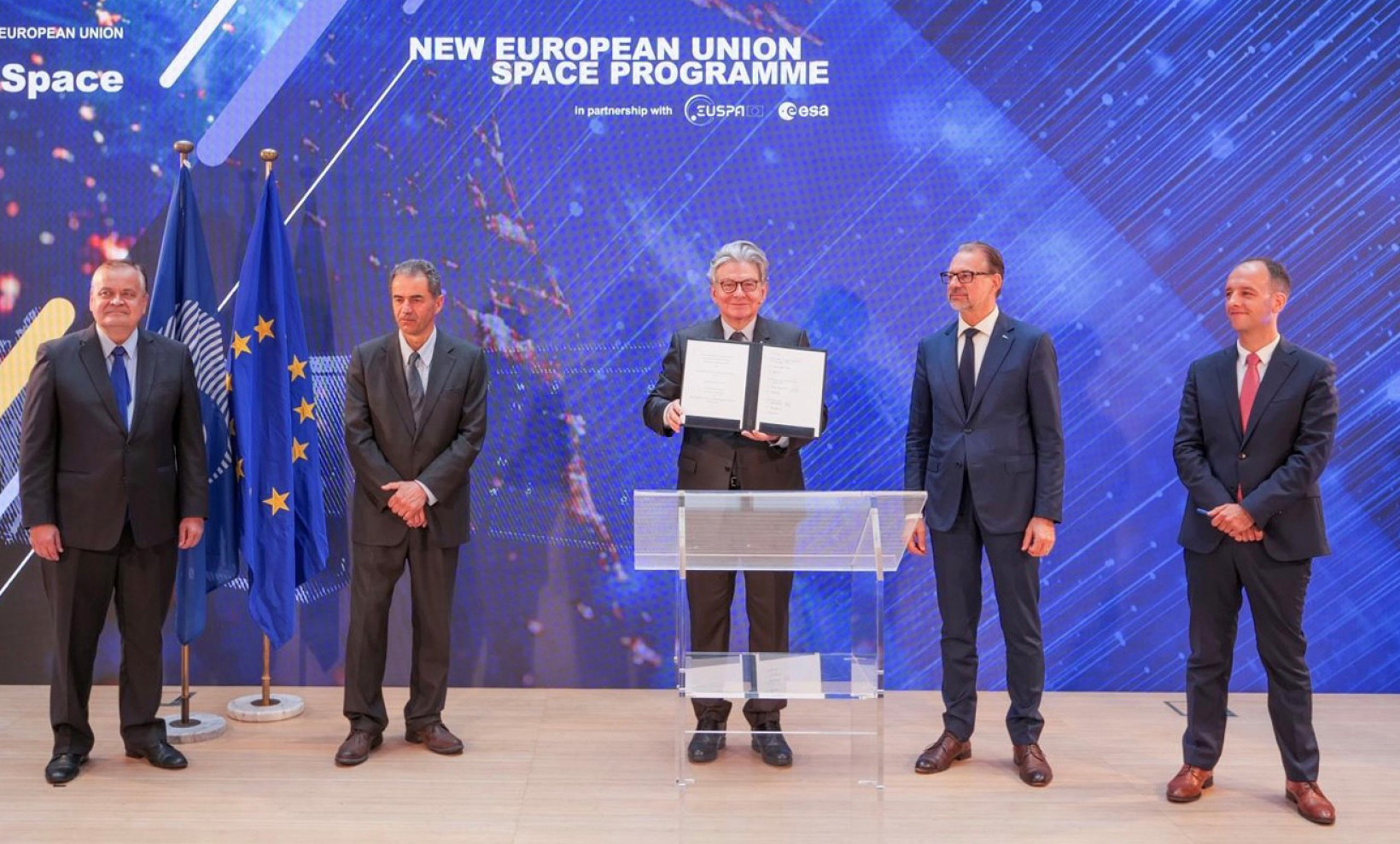 DG DEFIS Director General, Timo Pesonen, Minister for Science, Technology and Higher Education, Manuel Heitor, Commissioner for Internal Market, Thierry Breton, ESA Director General Josef Aschbacher and EUSPA Executive Director, Rodrigo da Costa.