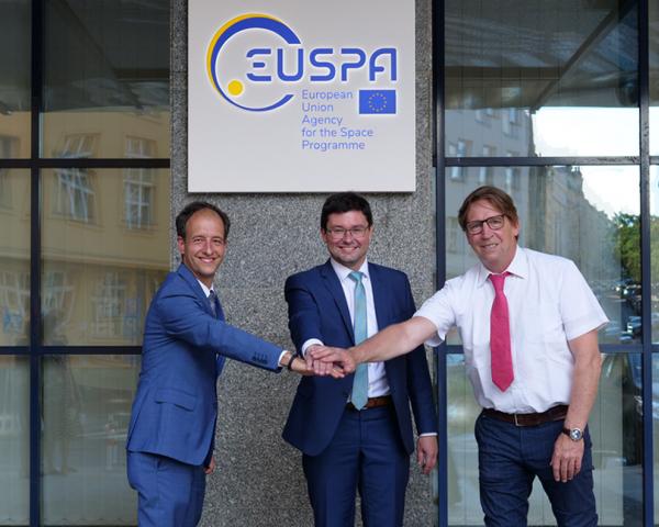 In European Union there's strength: EUSPA Executive Director Rodrigo da Costa (left) and Bruno Vermeire, Security Accreditation Board chair (right) with the newly elected EUSPA Administrative Board Chair, Vaclav Kobera.